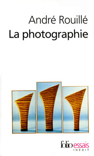 La photographie, entre document et art contemporain